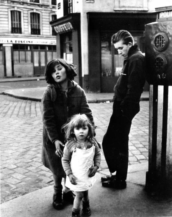 Kids, Place Hebert, Paris 18. 1957