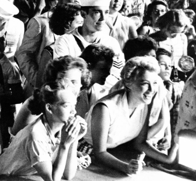 Elvis onlookers, Memphis July 4, 1956.  Crop from same original photo, as above.  Photo copyright: Arnold Wertheimer.