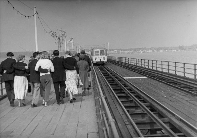 Southend Pier, couples, train, corrected