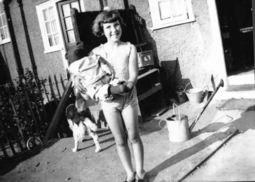 Len in the back garden of her Dagenham home, circa 1934.