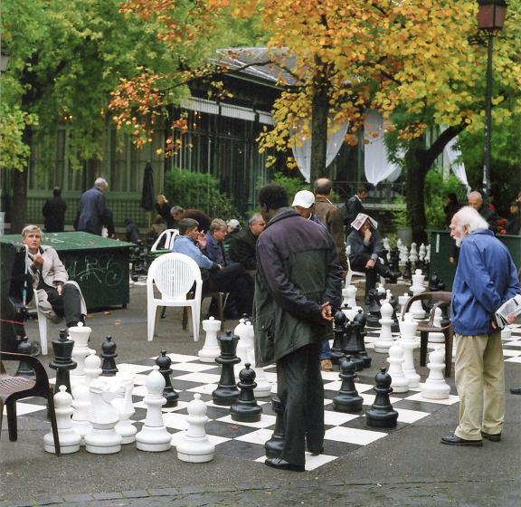 Chess in the Park, Geneva.  Photo  Pete Grafton
