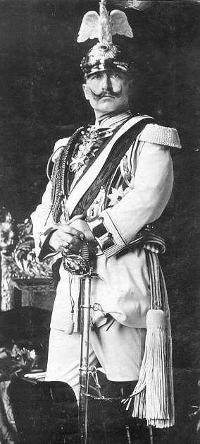 Wilhelm_II._1905