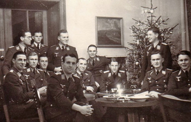 1-officers-night-fighter-school-christmas-1942