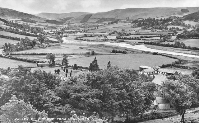 valley-of-wye-from-llangurig